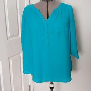 Bundle 3/$20 super cute 3/4 sleeve blouse